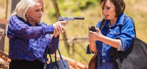 Magnólia e Beth na novela 'A Lei do Amor' (Divulgação/Globo)