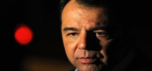 O cerco se fecha em torno do ex-governador do Rio de Janeiro, Sérgio Cabral.