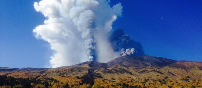 Catania, scossa di terremoto e boato dell'Etna: paura in Sicilia