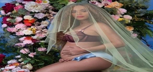 Beyoncé gravida anuncia estar gravida de gêmeos