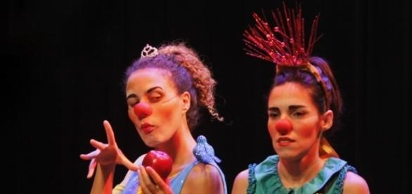 'De repente eu sou a malvada, mas sou super boa', diz Suelen Ribeiro sobre o seu personagem na peça
