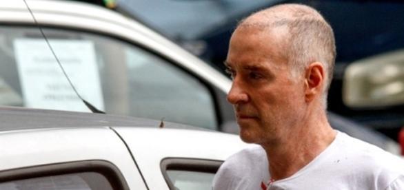 Eike Batista teve a cabeça raspada após chegar ao complexo penitenciário