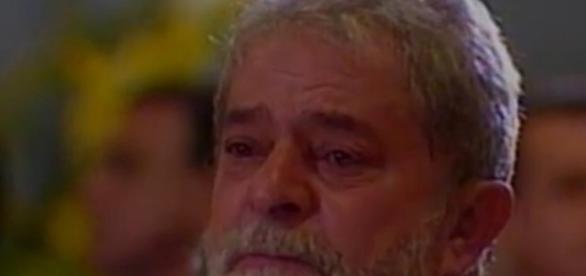 Lula agradece a todos pelas mensagens de carinho que recebeu em um dos momentos mais difíceis de sua vida