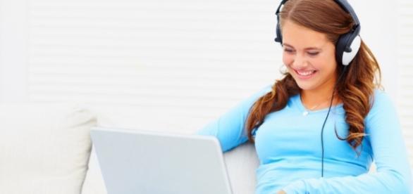 Pela internet, qualquer pessoa pode aprender uma nova língua