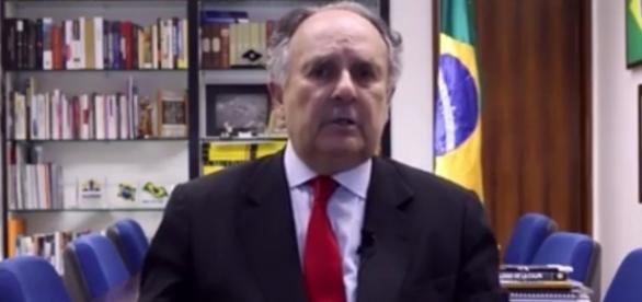 Senador Cristovam Boarque quer abrir as portas para imigrantes muçulmanos no Brasil