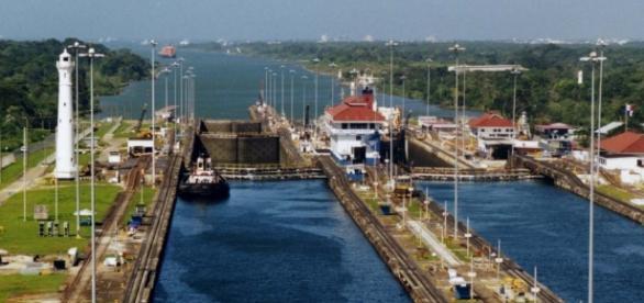 Canal de Panama conexion entre dos Oceanos