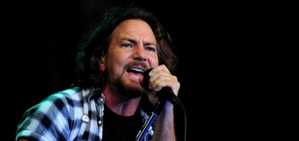 Eddie Vedder dei Pearl Jam sarà in concerto a Firenze il 24 giugno. I biglietti su Ticket one dal 24 febbraio.