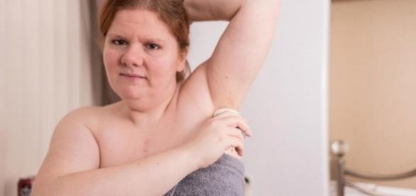 Kelly Fidoe-White possui uma doença chamada trimetilaminúria