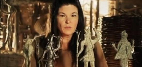 Na tentativa de virar uma feiticeira, Mara acabará virando escrava e fugitiva