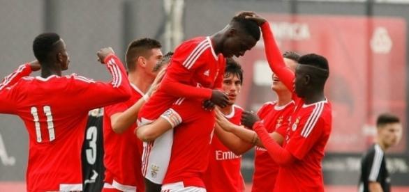 O SL Benfica defronta o PSV na UEFA Youth League