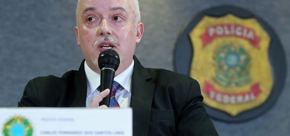Procurador da República na Operação Lava-Jato, Carlos Fernando dos Santos Lima, afirma que haverá um 'tsunami' da política brasileira