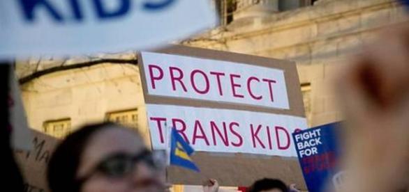 attivisti per i diritti dei giovani transgender