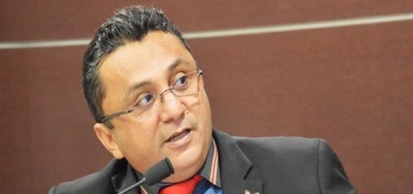 """Edilberto Borges sugere """"botão do pânico"""" para inibir assaltos"""