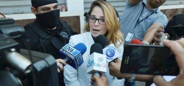 Pamela Posado nega o que justiça de El Salvador a acusa