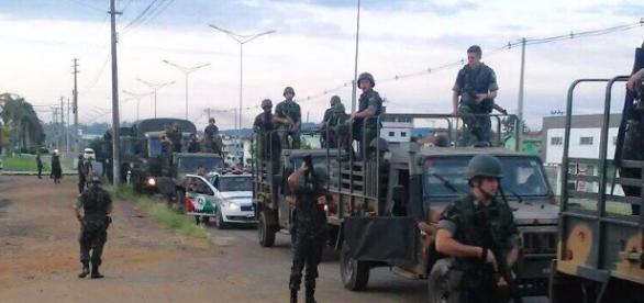 Exército nas ruas à procura de fuzil roubado em quartel de Criciúma