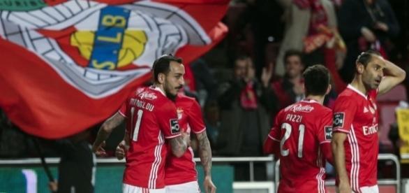 O futuro dos atuais avançados do Benfica pode estar em risco