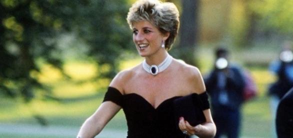 15 anos sem Diana: conheça o vestido que marcou a história da moda.