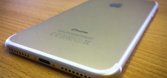 Apple iPhone 8, ultime novità sul touch ID