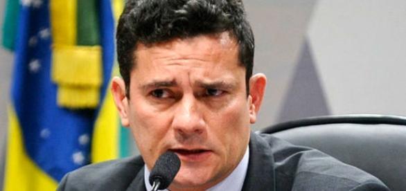 Juiz Sérgio Moro pede ajuda à Interpol