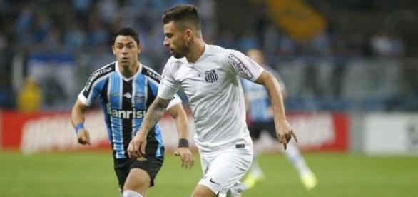 Lucas Lima foi destaque do Santos nos últimos anos e já vestiu a 10 da seleção brasileira.