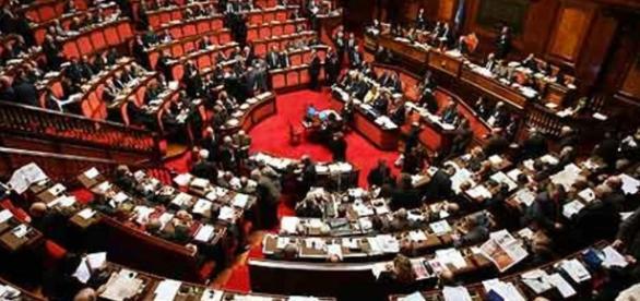 Parlamentari e vitalizi: una petizione per abolire questo privilegio.