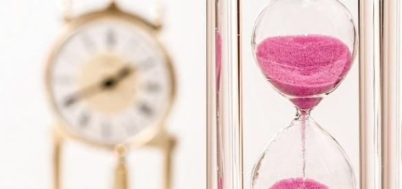 Time is running out, Pixabay stevepb https://pixabay.com/en/hourglass-clock-time-deadline-hour-1703330/
