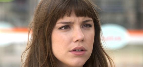 Alice Wegmann é Marina em A Lei do Amor