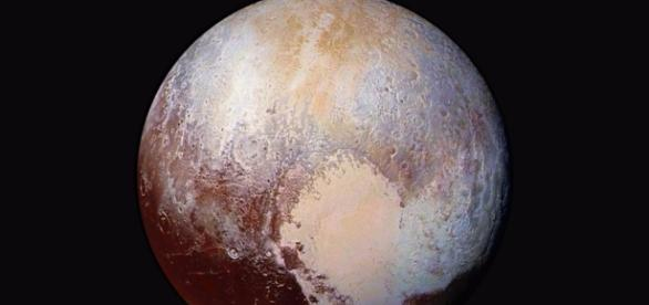 New potential planet definition could make Pluto and the moon planets - businessinsider.com
