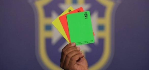 Balompié brasileño utilizará la tarjeta verde | Deportes - La Nación - lanaciondeportes.com