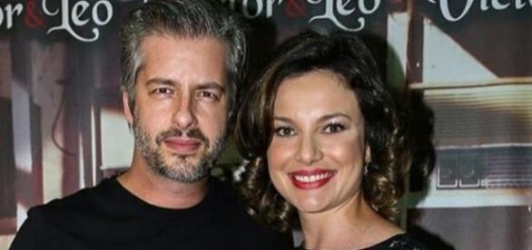 Cantor Victor e sua mulher Poliana Chaves
