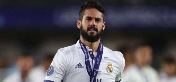 Real Madrid's Isco hints at joining Malaga on Twitter, not Tottenham - 101greatgoals.com