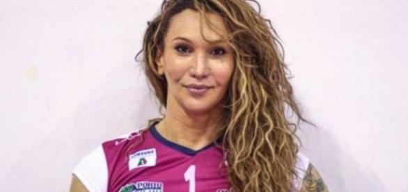 Tiffany foi eleita a melhor jogadora da partida ao fazer 28 pontos (Foto: Reprodução/Twitter)