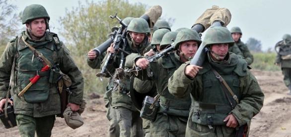 Militares da Rússia treinando na região de Kaliningrado