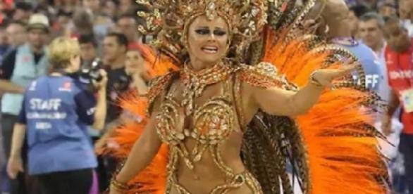 Viviane Araújo como 'medusa' se torna a rainha da sensualidade e do charme