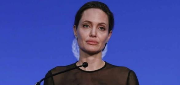 Angelina Jolie attacks Donald Trump's travel ban « Express & Star - expressandstar.com