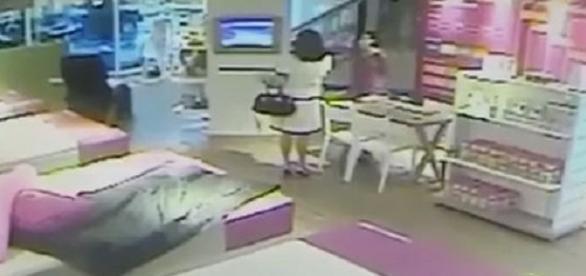 Cliente em fúria destrói aparelhos em loja em Belo Horizonte.
