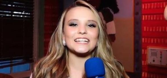 Larissa Manoela muda o visual e é criticada (foto: reprodução Rede TV)