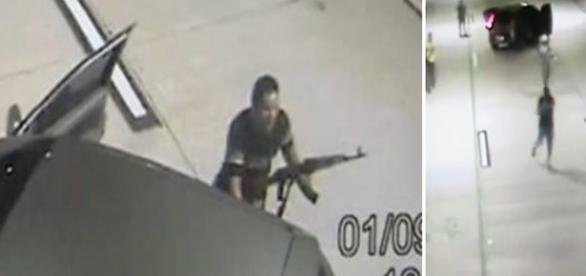 Na imagem um dos criminosos no momento em que abordava um dos veículos que estava no túnel.