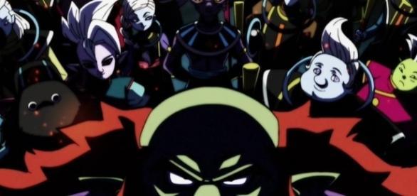 Algunos Dioses destructores junto con Kaio Shins y ángeles.