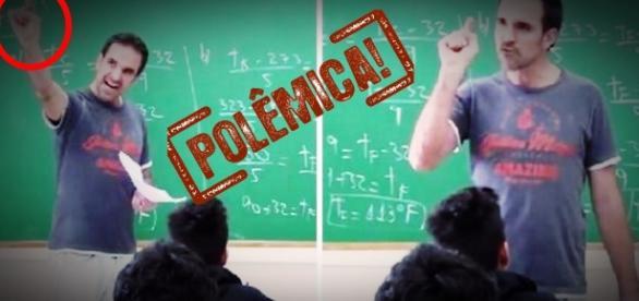 Professor fica surtado em aula - Google
