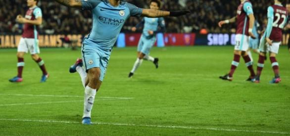 Gabriel Jesus faz seu primeiro gol na Europa