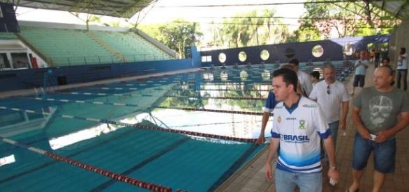 Prefeito e secretário realizam vistorias a ginásio em Santo André (Foto: site da prefeitura)