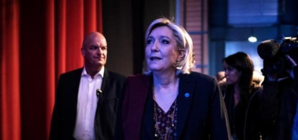 Présidentielle : à Lyon, Marine Le Pen dévoile la synthèse d'un ... - francetvinfo.fr