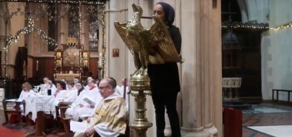 Rezitation des Korans in christlicher Kirche