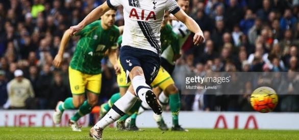 Tottenham Hotspur v Norwich City - Premier League Photos and ... - gettyimages.com