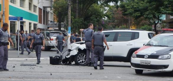 Veículo Jeep Renegade foi atingido pelo Hilux roubado. Fotos: Luiz Henrique Costa Alves