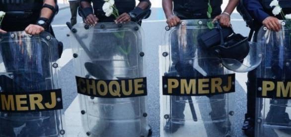 Familiares de PMs planejam manifestação no Rio para impedir trabalho dos agentes.