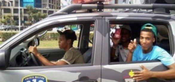 Jovens infratores roubam viaturas da PM no Espírito Santo (Via: Papo TV)