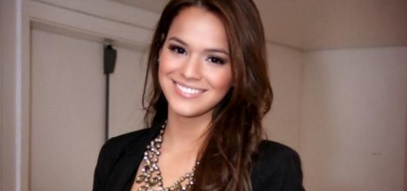 Bruna Marquezine parece estar perdidamente apaixonada por Neymar.