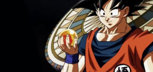 Goku con la esfera de 4 estrellas en la nueva apertura.